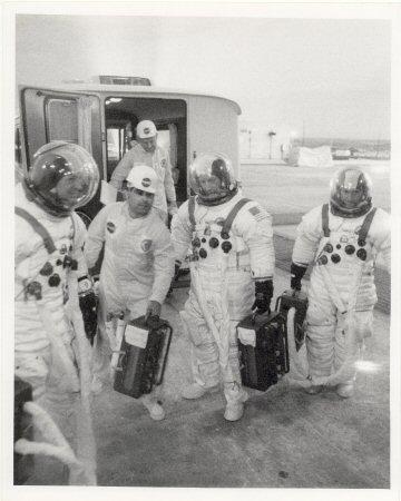 astro van vacuum hose